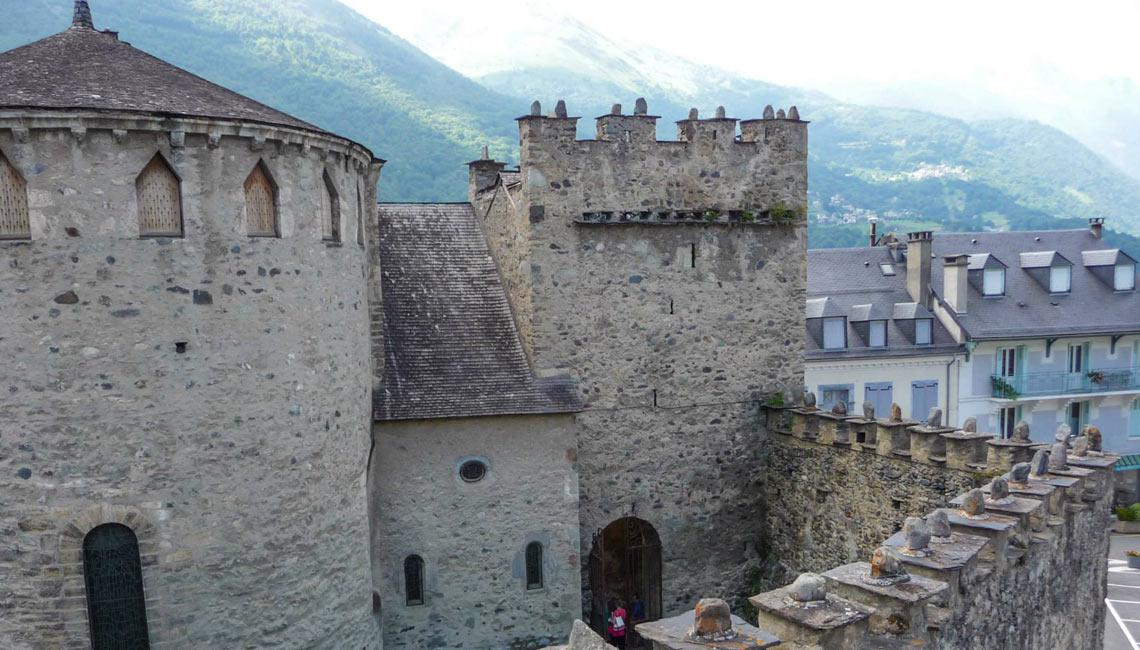 Vista de la iglesia templaria