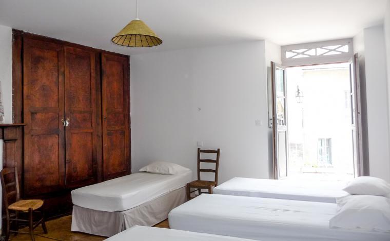 Chambre 5 lits individuels 1er étage